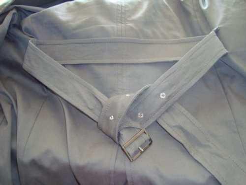 首页 韩国             在第一次打腰带的后系法时,最好把衣服平放